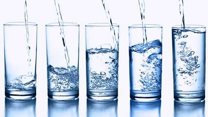 water_8glasses2