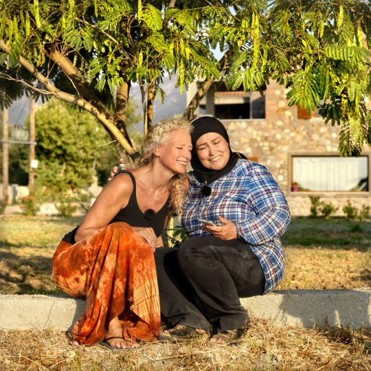 Η 54χρονη Σέετ από την Ολλανδία και η 43χρονη Μαγιάντα από τη Συρία