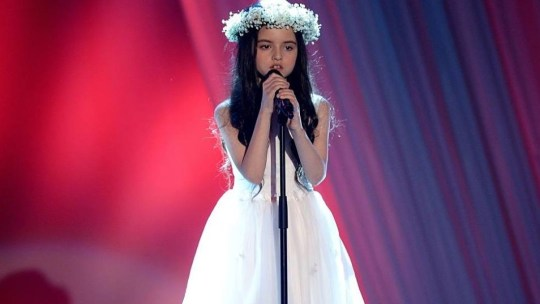astar-is-born-8-year-old-angelina-jordan-sings-bang-bang-advances-to-finals-of-norways-got-talent