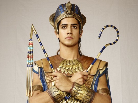 "Begin forwarded message:____From: ""Loureiro, Christine"" __Subject: FW: Avan Jogia Images__Date: 18 June, 2015 3:00:31 PM EDT__To: Photodesk - Toronto Star ____Avan jogia as tut"