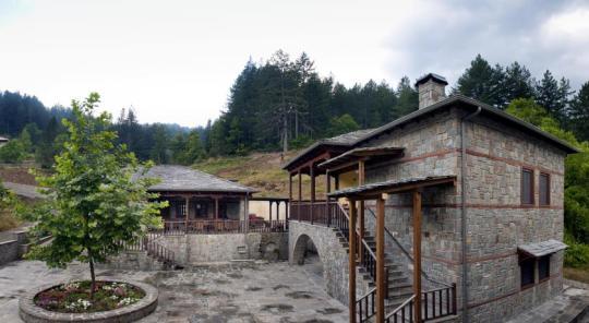 """χωριό Βωβούσα, Ιωάννινα, Ξενώνας """"Κερασιές"""","""