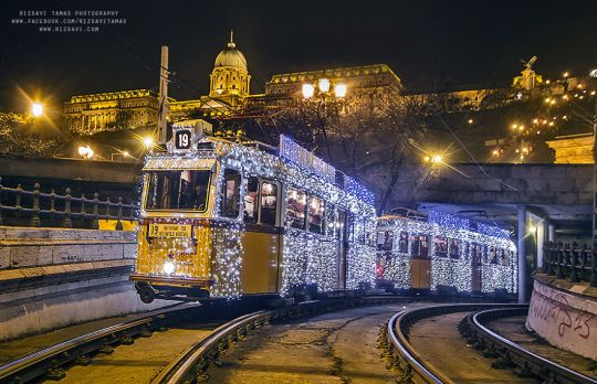 christmas-tram-budapest