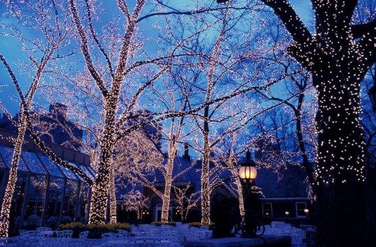 CHRISTMAS ALL OVER THE WORLD, christmas, Χριστούγεννα, Εικόνες, Κόσμος, Βουδαπέστη, Νέα Υόρκη, Παρίσι, ΝΙΚΟΣ ΜΟΥΡΑΤΙΔΗΣ, nikosonline.gr