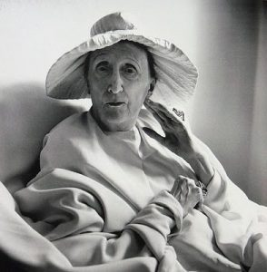 Dame Edith Sitwell, ποιήτρια