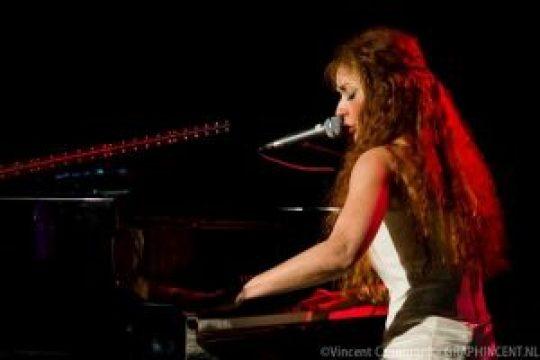 Μαρία Μαρκεσίνη, Maria Markesini, τραγούδι, μουσική, nikosonline.gr