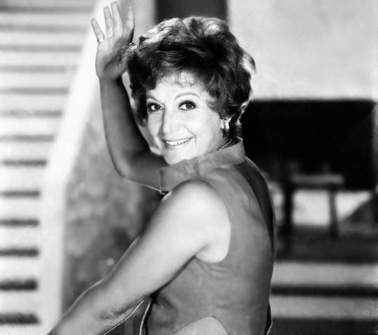 Rena Vlaxopoulou, ΗΘΟΠΟΙΟΣ, Ρένα Βλαχοπούλου, τραγούδι, σινεμά, κωμωδίες, Κερκυραία, ταλέντο, θέατρο, ΤΟ BLOG ΤΟΥ ΝΙΚΟΥ ΜΟΥΡΑΤΙΔΗ, nikosonline.gr