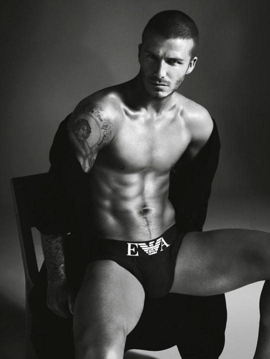 OLD AGED, David Beckham, γέρασε, ΑΣΠΡΕΣ ΤΡΙΧΕΣ, ΡΥΤΙΔΕΣ, ΝΤΕΙΒΙΝΤ ΜΠΕΚΑΜ, nikosonline.gr