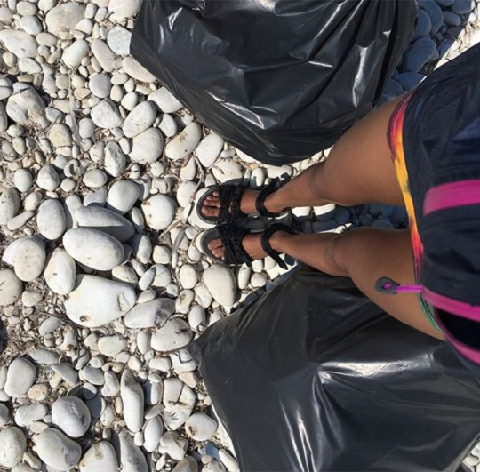 Will Smith καθάρισε παραλίες στους Αντίπαξους, Γουίλ Σμιθ, Αντίπαξοι, παραλίες, σκουπίδια, Willow Smith, nikosonline.gr