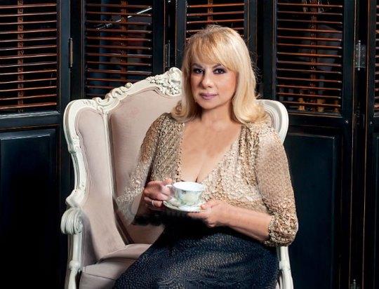 Από μικρή στα «βάσανα», Άννα Ανδριανού, ηθοποιός, θέατρο, τηλεόραση, Anna Andrianou, ithopoios, theatro, TV, nikosonline.gr