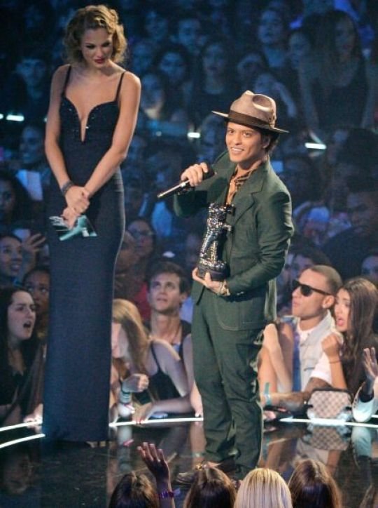 Οι διάσημοι κοντοί, short, height, short celebrities, ύψος, nikosonline.gr