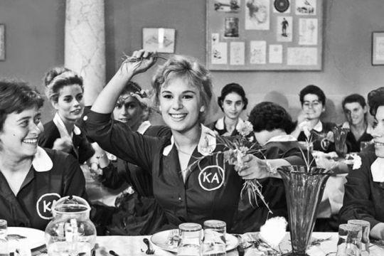 Χρονολόγιο, Μαθητικές ποδιές, School girl uniforms, ΤΟ BLOG ΤΟΥ ΝΙΚΟΥ ΜΟΥΡΑΤΙΔΗ, nikosonline.gr