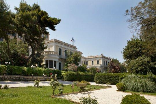 4 αξέχαστες βόλτες στην Αθήνα, Athens, Gardens, Parks, Πύργος Βασιλίσσης, Καταρράκτης Πεντέλης, Λίμνη Μπελέτσι, Γαλλική αρχαιολογική σχολή, nikosonline.gr