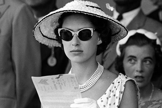 Η ταυτότητα της ημέρας, πριγκίπισσα Μαργαρίτα, UK princess Margaret, ΤΟ BLOG ΤΟΥ ΝΙΚΟΥ ΜΟΥΡΑΤΙΔΗ, nikosonline.gr