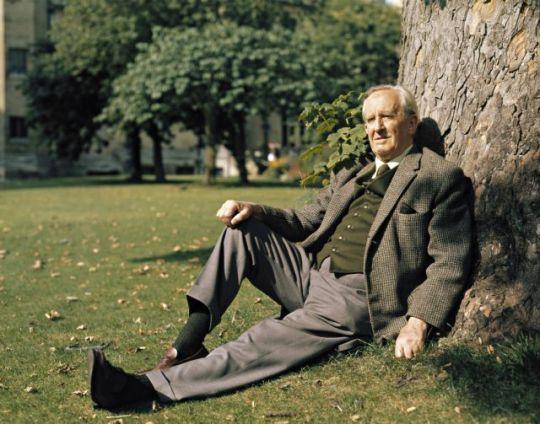 Η ταυτότητα της ημέρας, J. R. R. Tolkien, Τζον Ρ. Ρ. Τόλκιν, ΤΟ BLOG ΤΟΥ ΝΙΚΟΥ ΜΟΥΡΑΤΙΔΗ, nikosonline.gr