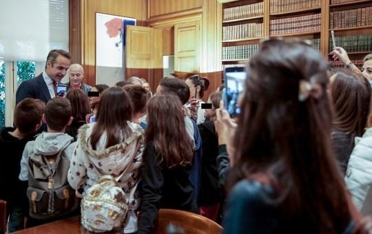 Ο νέος επικοινωνιολόγος του πρωθυπουργού, Κυριάκος Μητσοτάκης, ΝΔ, Kyriakos Mitsotakis, Stan Greenberg, political consultant, nikosonline.gr