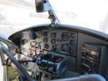 Im Cockpit alles zünftig analog