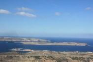 Blick auf Comino, Gozo im Hintergrund
