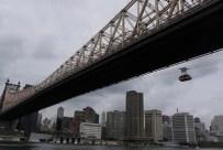 Queensboro Bridge mit der Roosevelt Island Tramway