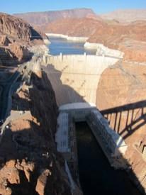 der Hoover Dam von der neuen Umgehungsbrücke aus gesehen