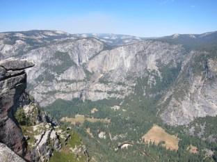"""Blick vom Glacier Point auf die """"Three Brothers"""""""