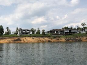 Pablo Escobars Villa, zwei Jahre nach Fertigstellung 1985 durch einen Anschlag zerstört
