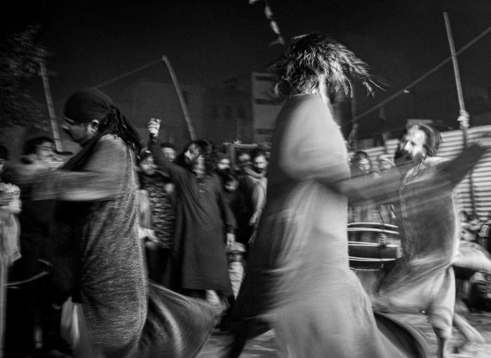 Sufis am Schrein in Lahore