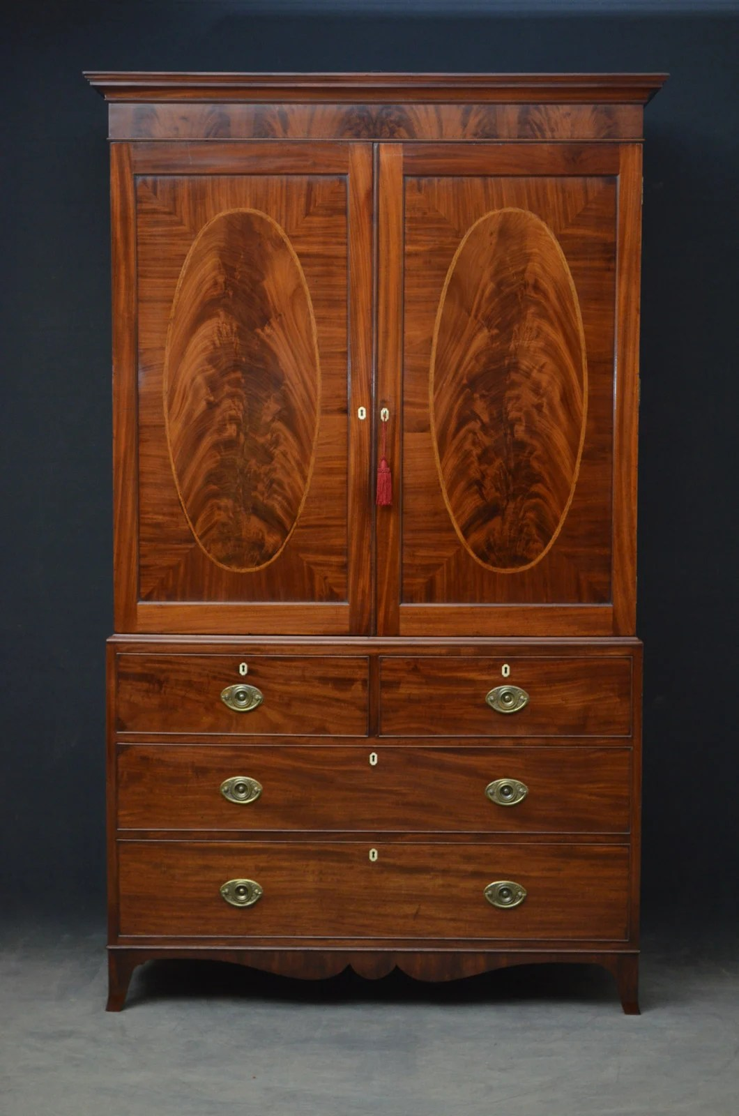 Ambitious Antique Victorian Wardrobe Armoires & Wardrobes