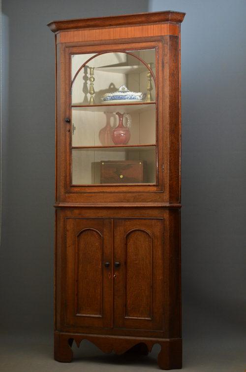 Georgian Corner Cupboard in Oak