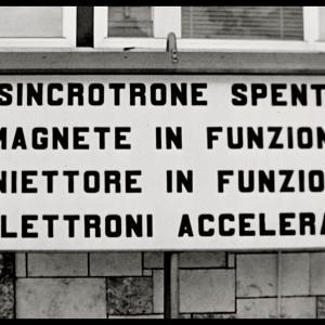 Conversazioni Atomiche Screenshot dal film con immagini di repertorio di Frascati a cura di Archivio Luce