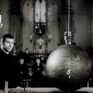 Conversazioni Atomiche Screenshot dal film con immagini di Archivio Luce