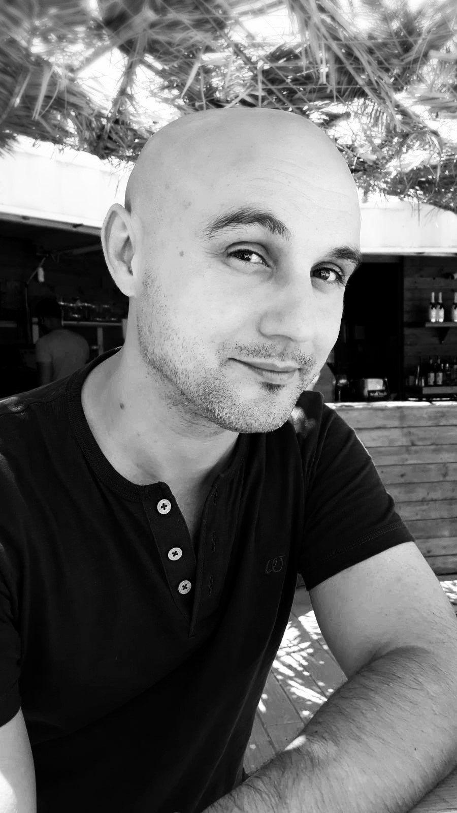 """César Narganes, autor de """"¡Deshágase la luz!"""" - Cine de Escritor"""