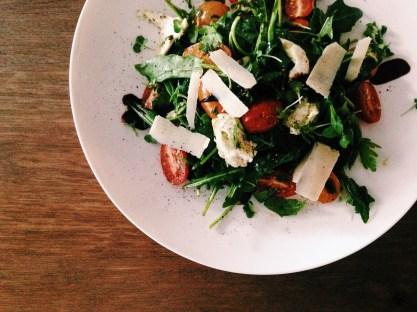 Tomaten salade met basilicumdressing & buffelmozzerella