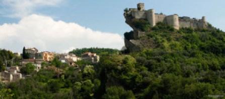 Il castello di Roccascalegna © Utente FlickrFrancesco Moscone
