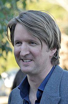 Il regista inglese Tom Hooper