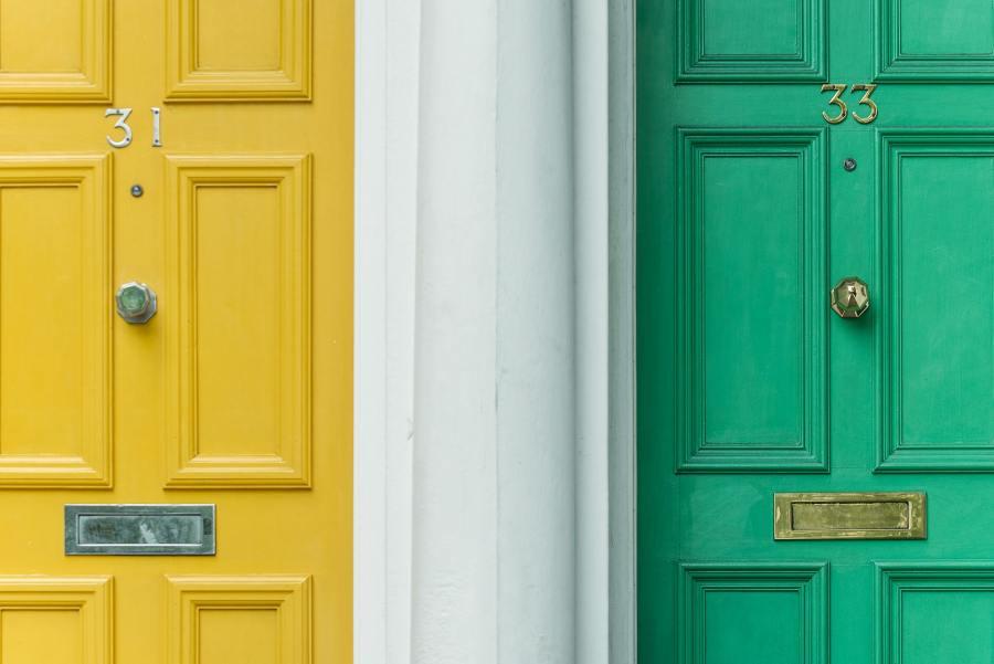 feng shui door color