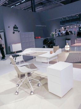 Workspace. I SO want that chair…Probably costs a fortune.