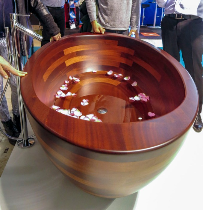 Bathtub of wood.