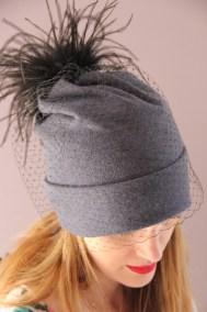 bonnet-gris-voilette-plumes-ninou-laroze-clermont-ferrand