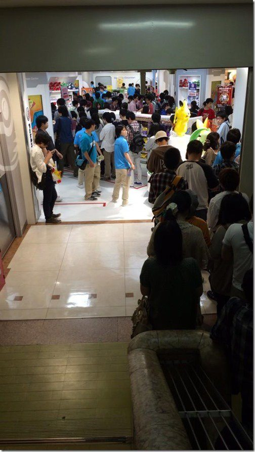 pokemon-center-nagoya-omega-ruby-queues-2