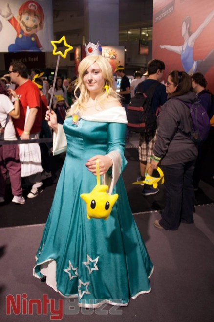Awesome Rosalina Costume, unfortunately wasn't able to get a good photo of Zero Suit Samus but will upload a video later!