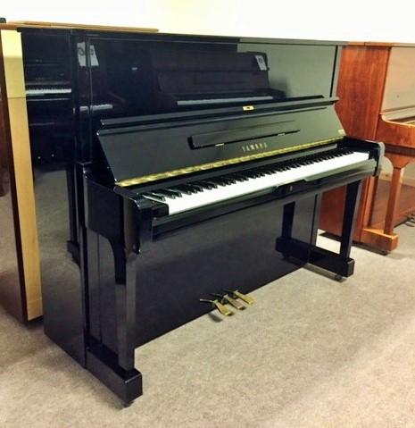 u1a-1986-yamaha-piano