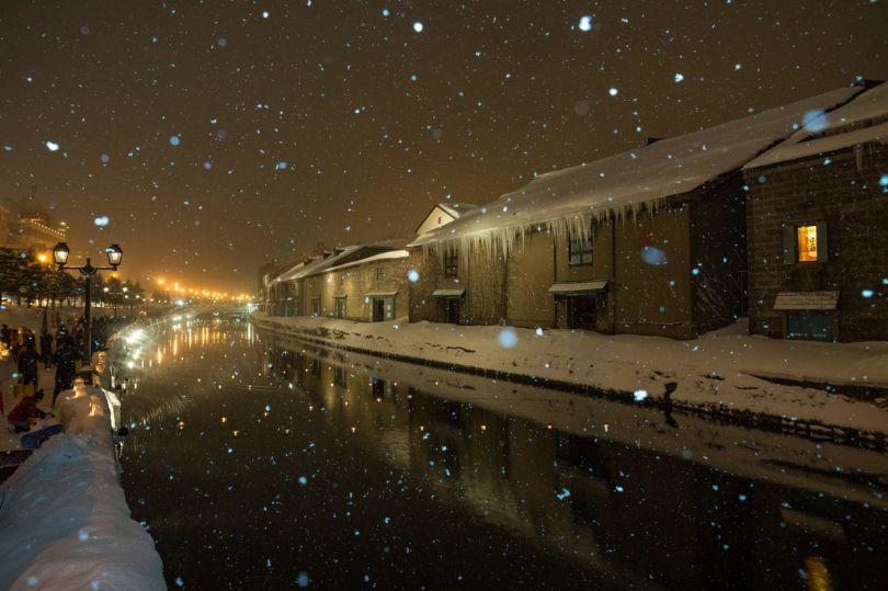 Les chutes de neige améliorent l'éclairage hivernal.
