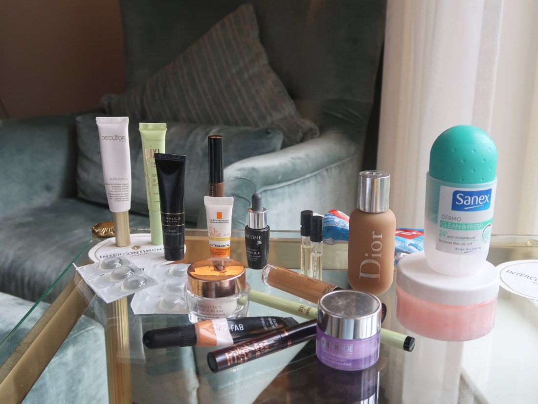 How To Pack All Your Toiletries And Makeup In A Small Liquids Bag When Travelling With Carry-On Luggage Only, small clear liquids bag for makeup, nishi v, www.nishiv.com