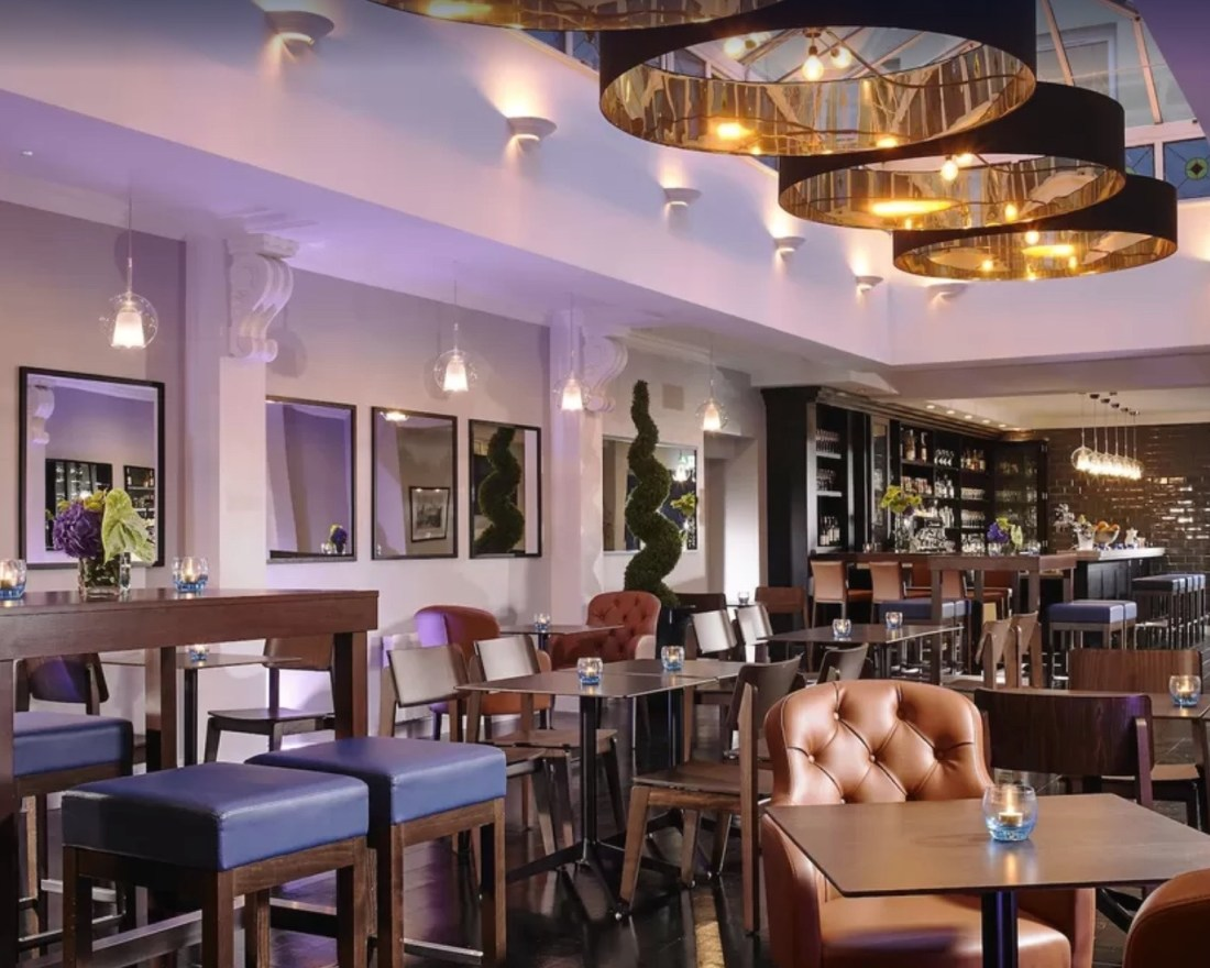 Temple Bar Hotel, Dublin Review, Nishi V