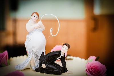 Tortenfigur auf Hochzeitstorte von Dj Hochzeit