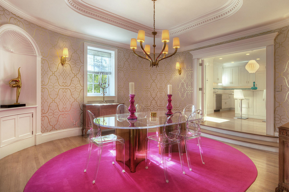 Swanhurst Carriage House Pink room