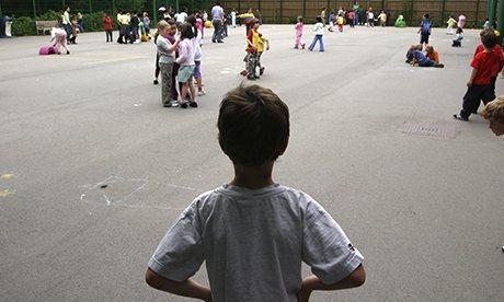 https://i2.wp.com/www.nivstaboards.com/wp-content/uploads/2016/09/A-child-alone-in-a-school-003.jpg