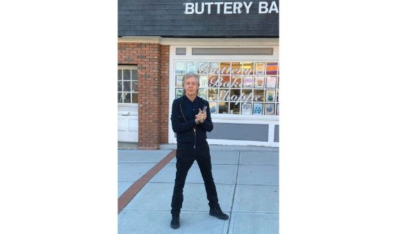 Paul McCartney spotted snapping photos in N.J. town
