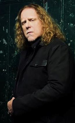 "Warren Haynes' new album, ""Ashes to Dust,"" teams him with New Jersey's Railroad Earth."