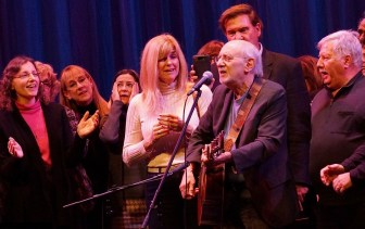 Peter Yarrow invited fans to join him onstage at the Grunin Center.